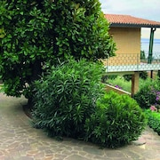 Garda Lake Landscape - Apartment in Villa With Garden and Private Pool