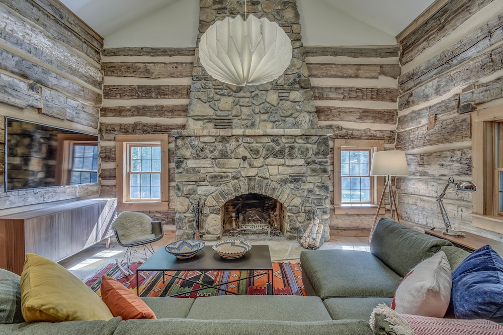 Hand Hewn Log Cabin Newly Renovated, Rustic-modern Design in ...