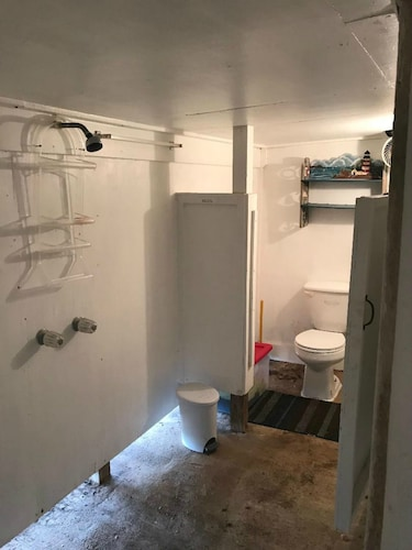 Bathroom, Reel Paradise - Pet Friendly With new Fishing Pier!