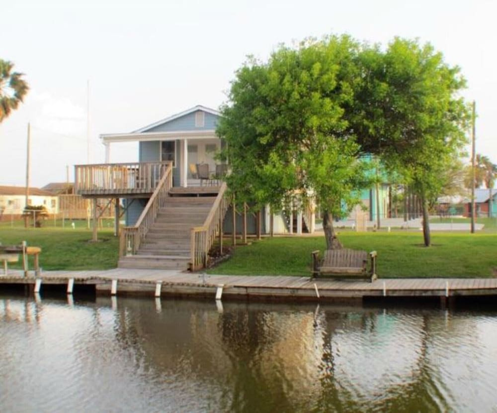 Featured Image, Reel Paradise - Pet Friendly With new Fishing Pier!