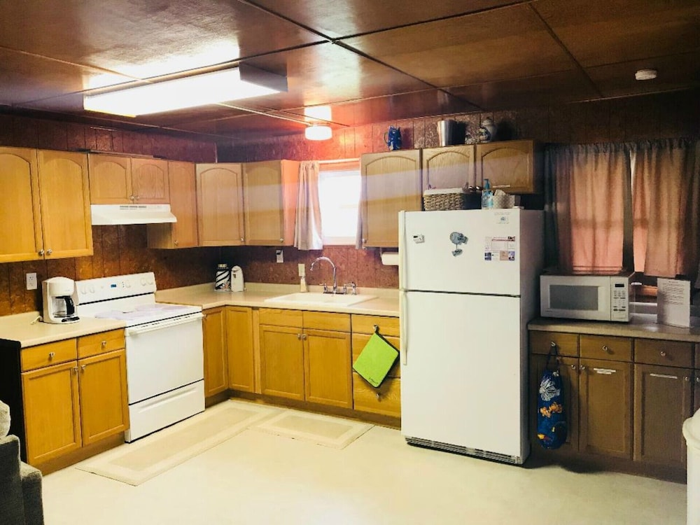 Private Kitchen, Reel Paradise - Pet Friendly With new Fishing Pier!