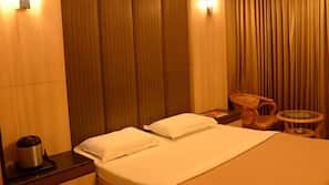 Rollaway beds, free WiFi