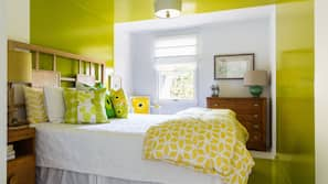 4 bedrooms, premium bedding, down comforters, individually decorated