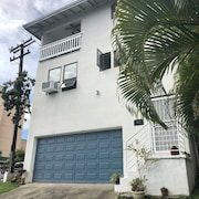 Deluxe 1 Bdrm Apt W/garage in Honolulu - Come Aloha With Us! Parking & Laundry