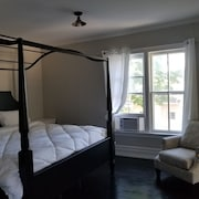 The Cottage Suite in a Bed and Breakfast Located in A+ Location
