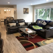 Modern & Remodeled 3bd/2ba Duplex Unit in Bothell - Walk to UW Bothell, Downtown