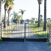 Riesling Gate - Near Lorimar Winery & Fire Pit