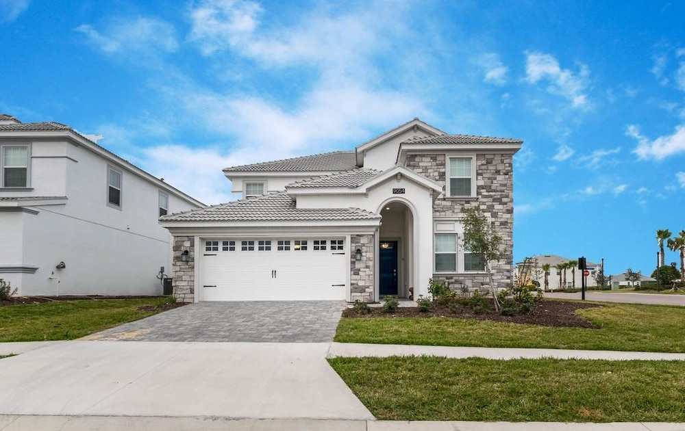 Modern 6 Bedroom 5 Bathroom Champions Gate Villa Next To Clubhouse ...