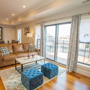 Luxury Condo 4 Bed 2 Bath Downtown Boston Sleeps 8