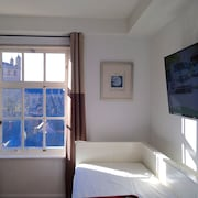 Cathedral View. One Bedroom Central Apartment