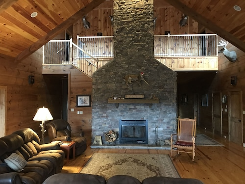 North Rim Lodge is Nestled Atop the Cumberland Mountains in East Tennessee