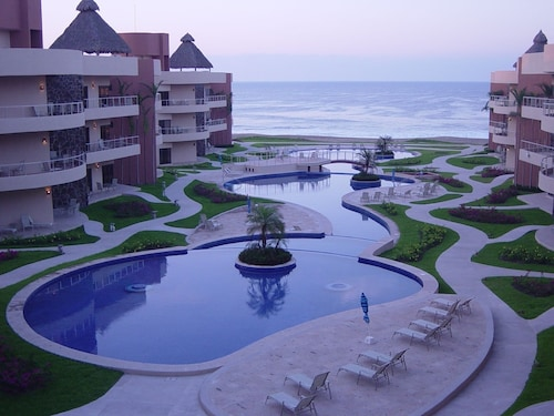 Luxury 3Bd Condo - Coco Beach Near Barra de Navidad Free Parking