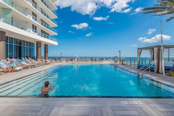 Private Ocean Condos - Hyde Beach Resort