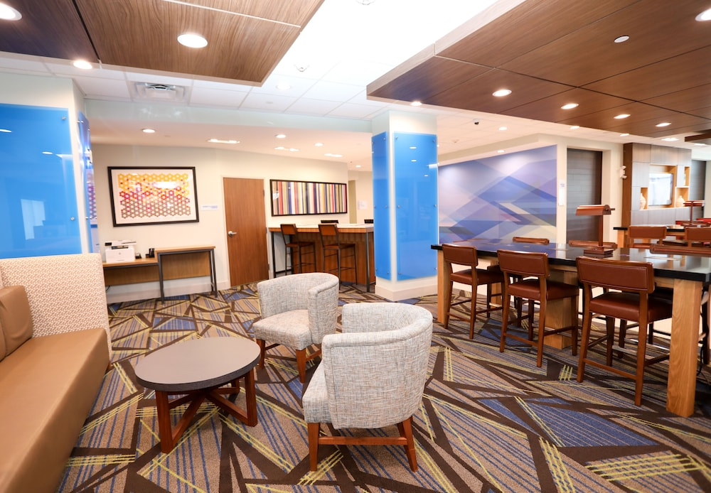 Lobby, Holiday Inn Express And Suites Forney, an IHG Hotel