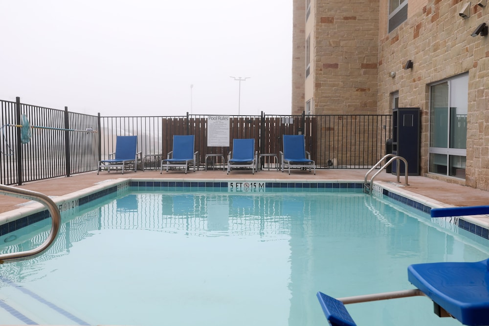 Outdoor Pool, Holiday Inn Express And Suites Forney, an IHG Hotel