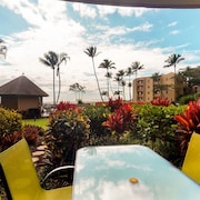 Waterfront Condo w/ a Furnished Patio, Full Kitchen, Shared Pool - Walk to Beach