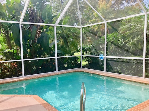 Fall 2019 Available! Beautiful 3BR Venice Home w/ Pool; 3 Miles From Beach!