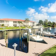 Seatuit Condominiums with Boat Slip
