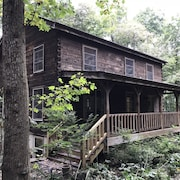 Entire Log Cabin Vacation Rental 4 Bedroom