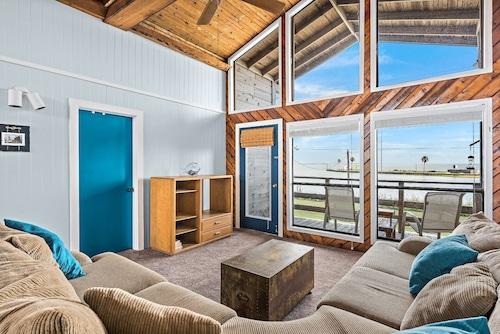 Hotels near San Luis Pass County Park, Freeport: Find Cheap