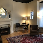 Executive Apartment in Historic Property in Center Square, Albany
