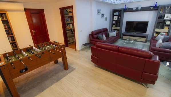 4 soveværelser, pengeskab, strygejern/strygebræt, Wi-Fi