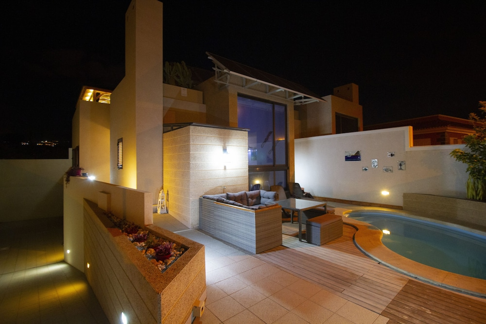 Yacuzzi O Jacuzzi.Luxury Villa With Private Heated Pool Roof Terrace And