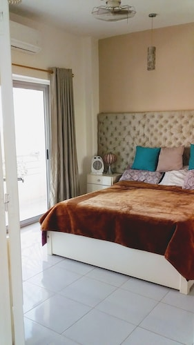 Modern, Fully Furnished one Bedroom Apartment With a ...