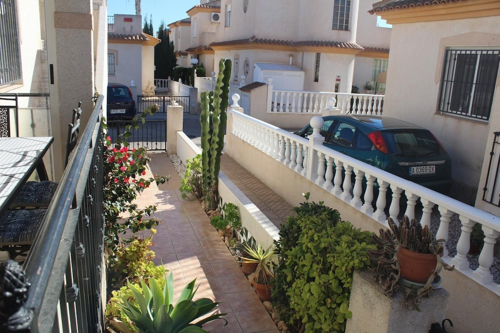 , Playa Flamenca, 2 Bedroom Bungalow With Communal Pool