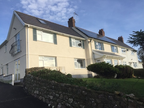 Morawel Rhossili 4-5 Bedroom House Sleeps 8-10 Large Garden AND Sunny Patio