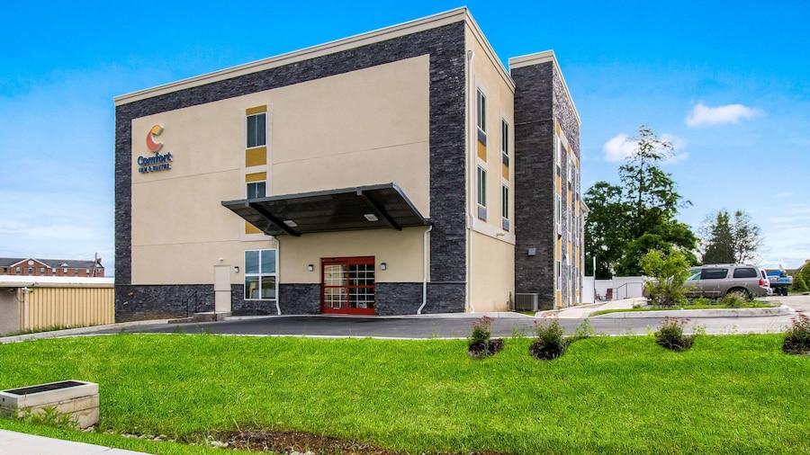 Comfort Inn & Suites Harrisburg - Hershey West