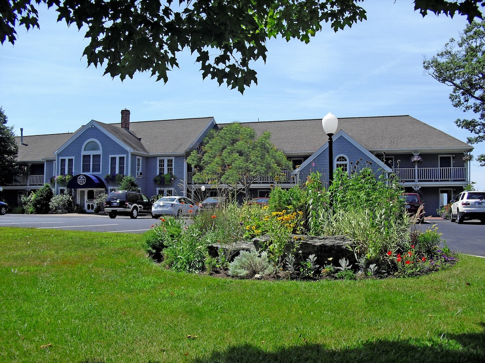 Front of Property, Cod Cove Inn