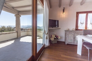 Apartment With 4 Bedrooms in Cala Ginepro, With Wonderful sea View, Private Pool, Enclosed Garden - 5 km From the Beach