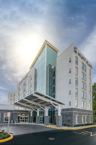 Hyatt Place Wilmington Riverfront