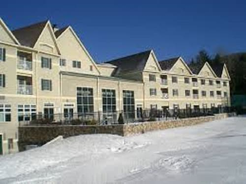 Ski/in Ski/out Wyndham Bentley Brook Rentals/jiminy Peak Base