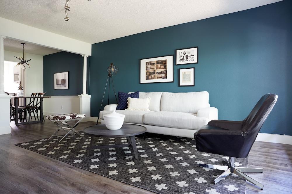 Sonder - 2306 Marquee Uptown: 2019 Room Prices $141, Deals