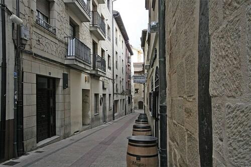 Top 10 Accommodation Near Bodega La Rioja Alta S A From Au 88 Wotif