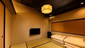 4 bedrooms, premium bedding, down comforters, pillowtop beds