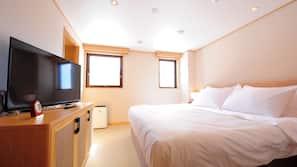 房內夾萬、手提電腦工作空間、窗簾、免費 Wi-Fi