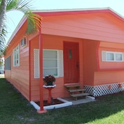 Sunset Cottage, Minutes From World Class Fishing in St. James City