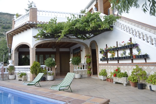 Los Barranquillos Rural House. Your Ideal Home in Lanjarón to get to Know Alpujarra