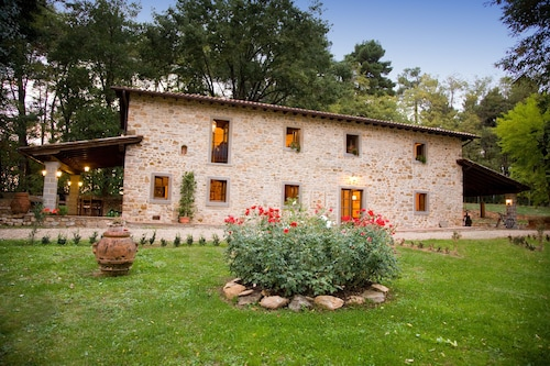 Villa Elisabetta Close to Florence, Private Pool, Park Fenced