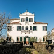 Magical Experience in a Characteristic Venetian Historical Villa, With all the Comforts of Modernity