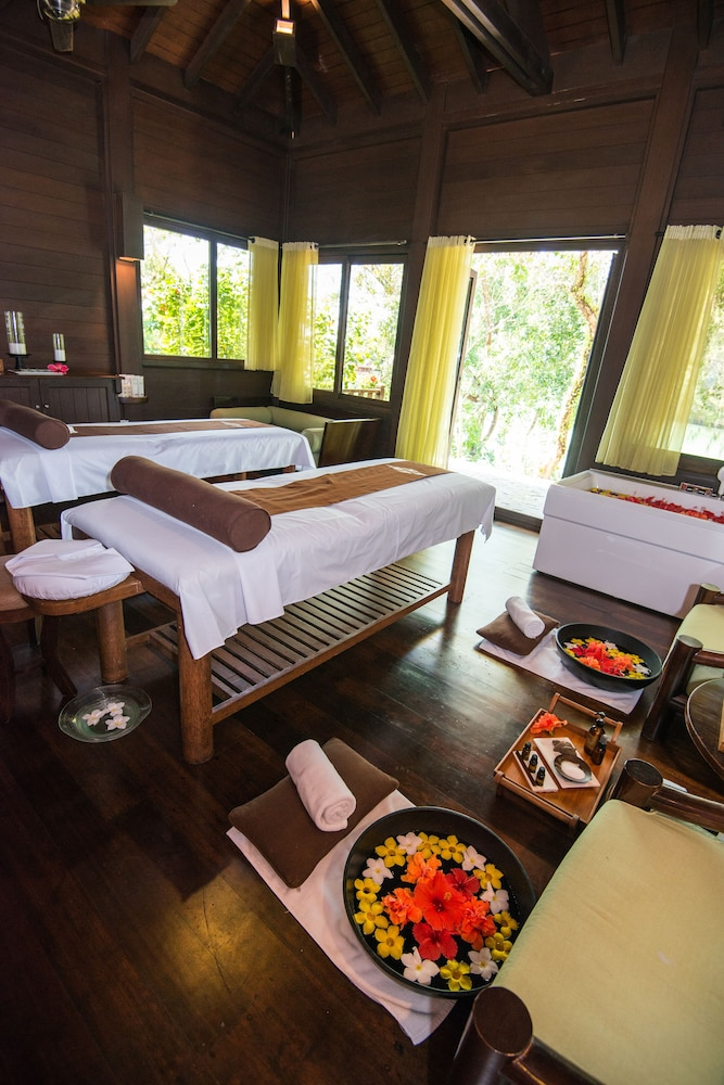 Spa, The Pristine Villas and Bungalows at Palau Pacific Resort
