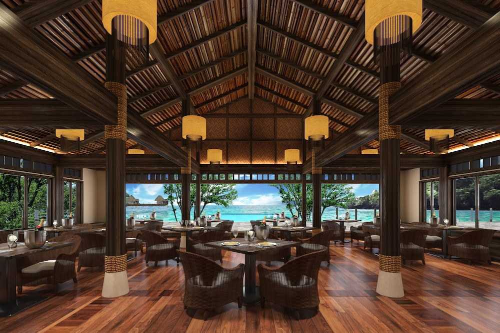 Lobby, The Pristine Villas and Bungalows at Palau Pacific Resort