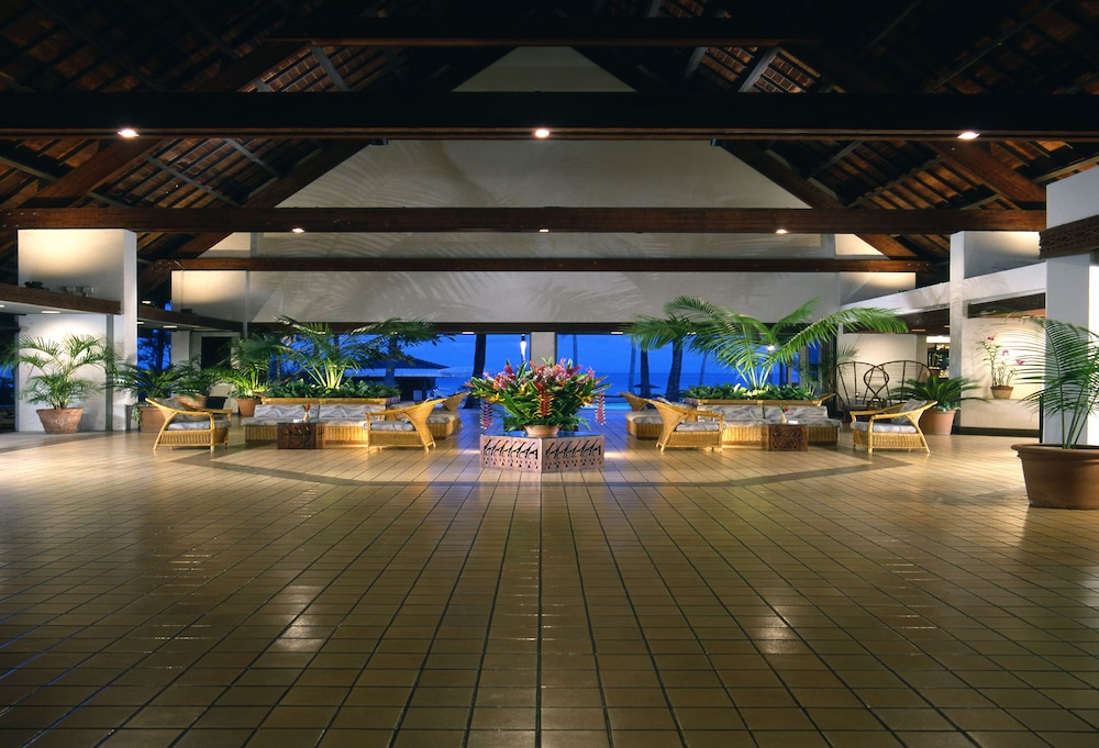 Lobby Sitting Area, The Pristine Villas and Bungalows at Palau Pacific Resort