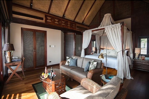 Room, The Pristine Villas and Bungalows at Palau Pacific Resort