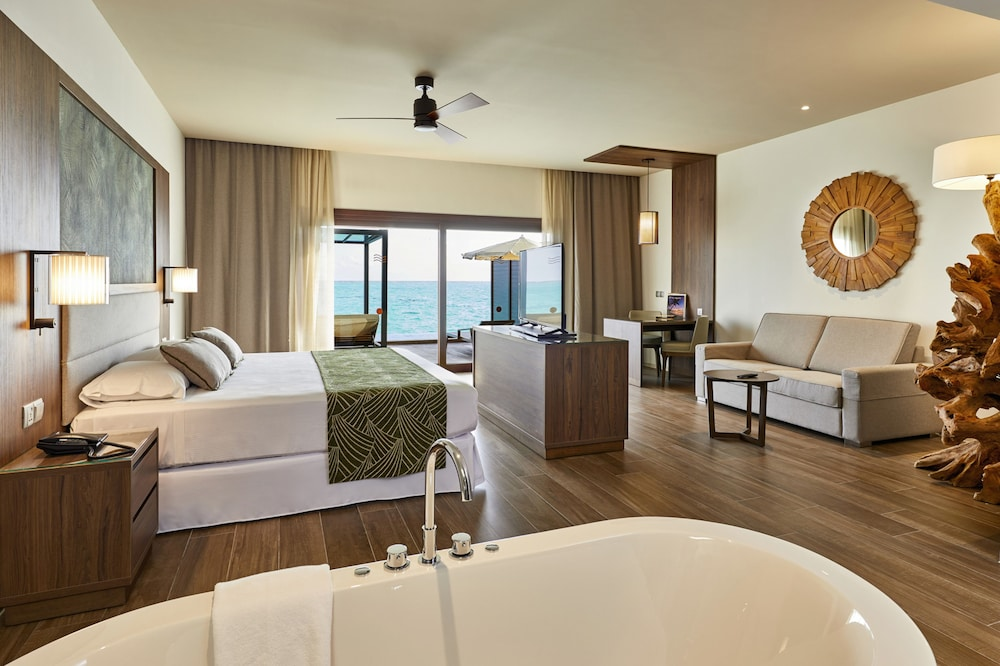 Room, RIU Palace Maldivas - All Inclusive