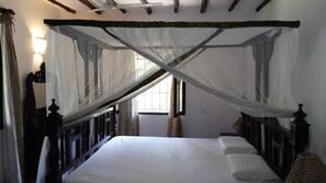 3 Schlafzimmer, individuell eingerichtet, Bettwäsche