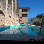 Spectacular Historical Limonaia for 18 With Breathtaking Lake Views, Private poo